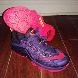 Nike Lebron 12 Low (Raptors) Court Purple Crimson